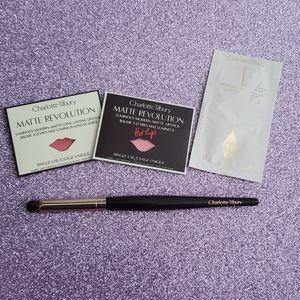 Charlotte Tilbury Eye Smudger Brush and Samples.